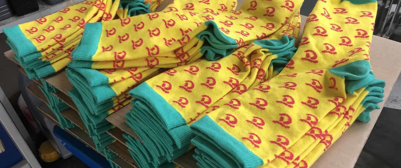 Socken Herstellung mit Firmenlogo